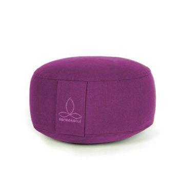 kleines Bodenkissen und Sitzkissen in der Farbe lila