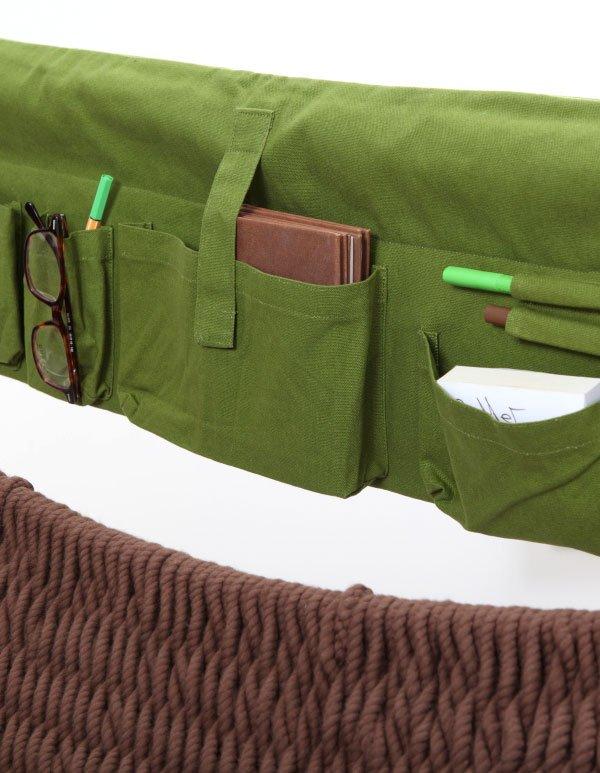 In der großen Traumschwinger Seitentasche sind Dinge des täglichen Lebens untergebracht